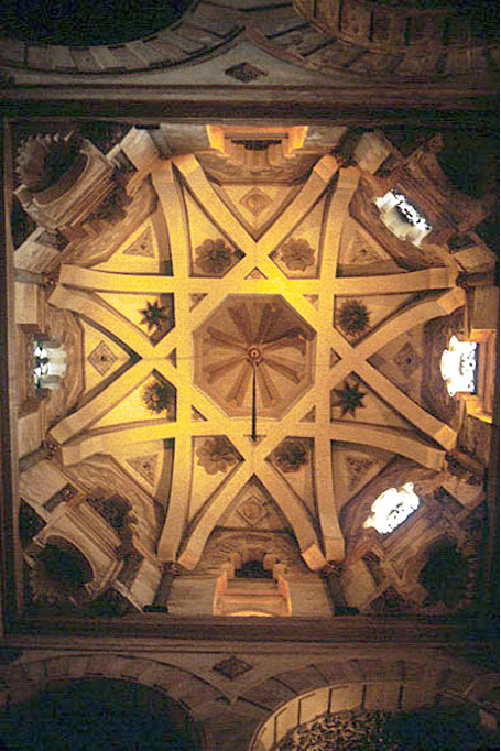 View of the vaulting in the Great Mosque of Cordoba in Spain, 10th century. These vaulting techniques, still in use almost four hundred years later, appear in buildings like the Durham Cathedral Kitchen (see top image and image below left). This attests to their popularity and effectiveness.
