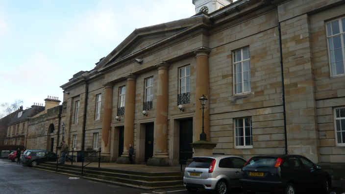 The Durham Crown Court, built in between 1814 and 1821 by Ignatius Bonomi, is remarkable not only for its elegant proportions but also for the colour of its stone, reminiscent of the stone of Durham Cathedral and Castle.