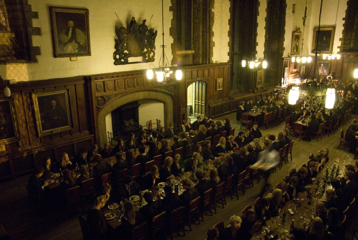 The Great Hall, now the college dining hall, feeds approximately 300 people a day, serving close to 1000 meals. On Tuesday and Thursday evenings during term times, these are formal meals.