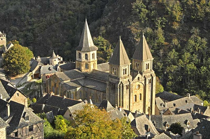 Aerial view of the church of Sainte Foy at Conques, contemporary with Durham Cathedral. Its two western towers resemble what those of Durham Cathedral would have looked like with spires.