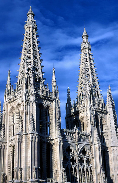 Begun in the 13th century and completed three hundred years later, the Cathedral of our Lady of Burgos sums up the entire history and evolution of Gothic architecture and art.